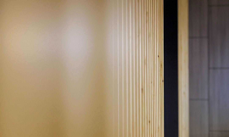 Ristorante sushi e cinese, dettaglio architettura della sala