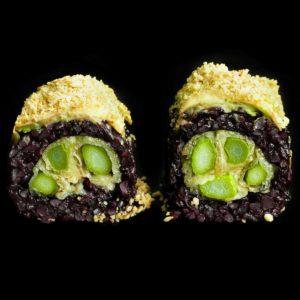 maki vegetariano con asparagi