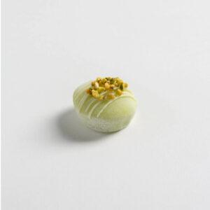 mochi giapponese ripieno di gelato al pistacchio