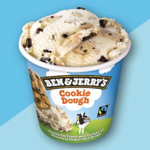 Gelato da 465 ml alla vaniglia, pezzi di impasto di biscotto con scaglie di cioccolato e pezzetti di copertura al cacao ben & jerry's